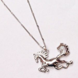 Jewelry - Sterling silver horse pendant necklace